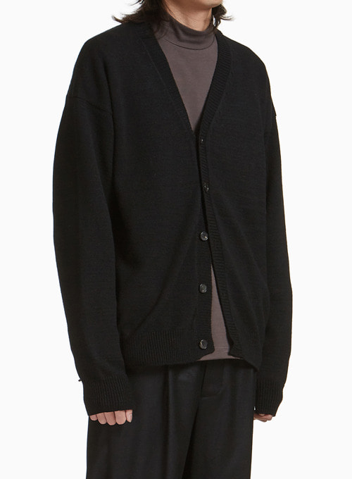 OVERSIZED CARDIGAN (BLACK)
