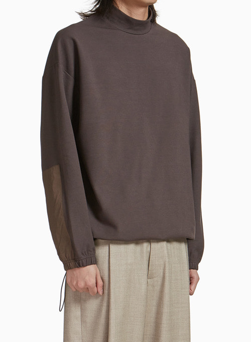 MOCK NECK T-SHIRT (BROWN)