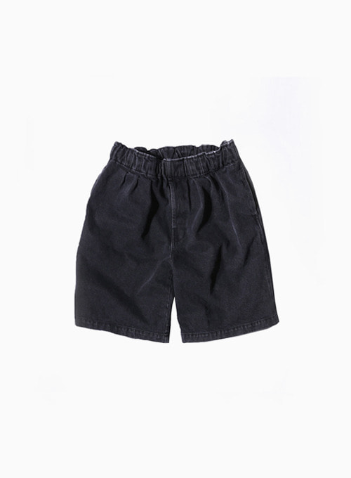 TUCK WIDE SHORTS (BLACK)