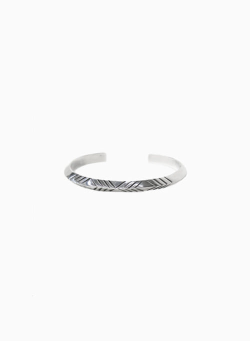 STAMPED TRIANGLE BANGLE (W-214)
