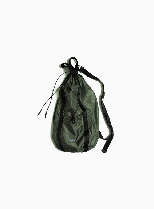 LOGO LABEL SLING BAG (SAGE GREEN)