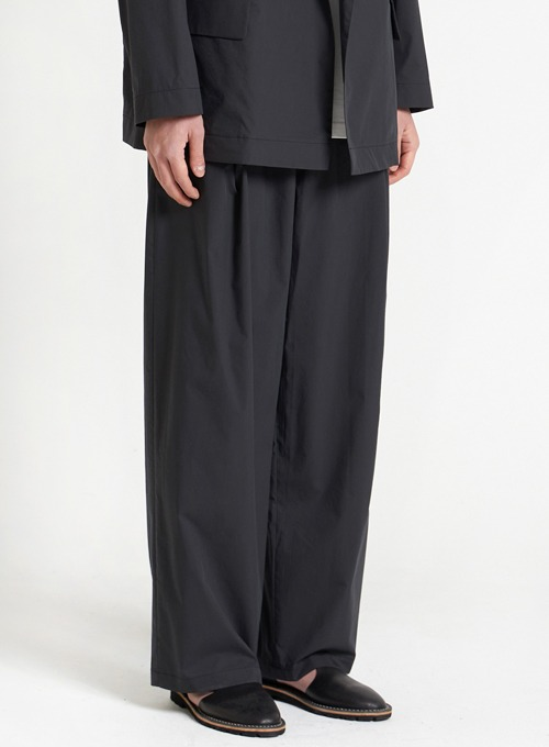 STRUCTURED WIDE PANTS (BLACK)
