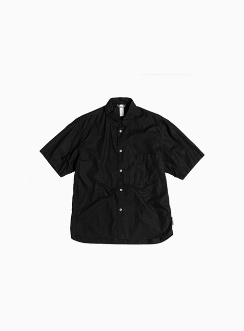 LOGO LABEL HALF SHIRT (BLACK)