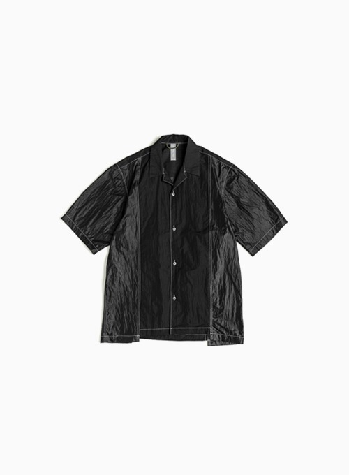 CONTRAST PANEL HALF SHIRT (BLACK)