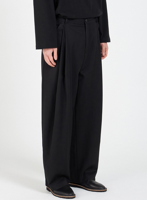 LAYERED 2-TUCK PANTS (BLACK)