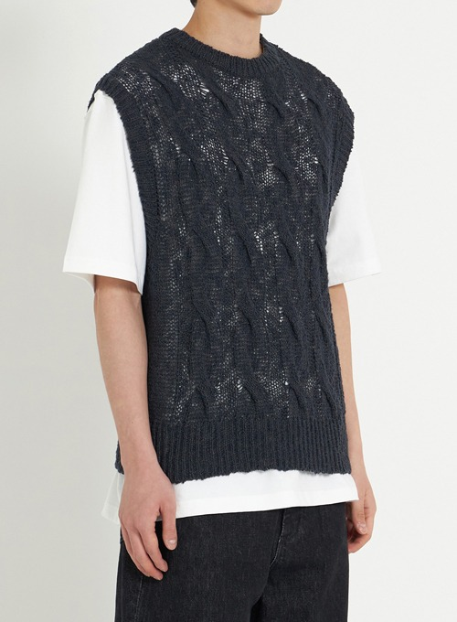 TWIST CABLE KNIT VEST (BLACK)